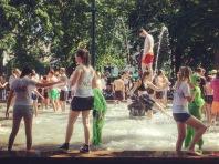 Studenti festeggiano la fine dell'anno scolastico a Malmo